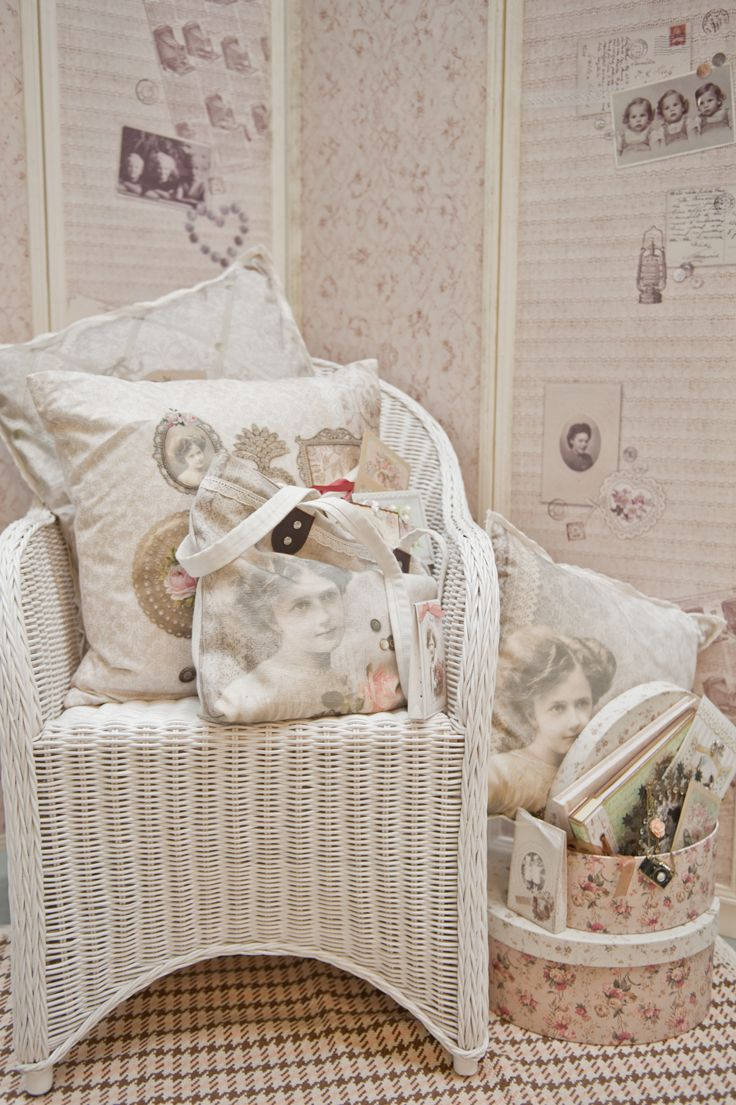 Vintage Romance | Romantic | Girl | Love | Cushion | Pillow | Bag