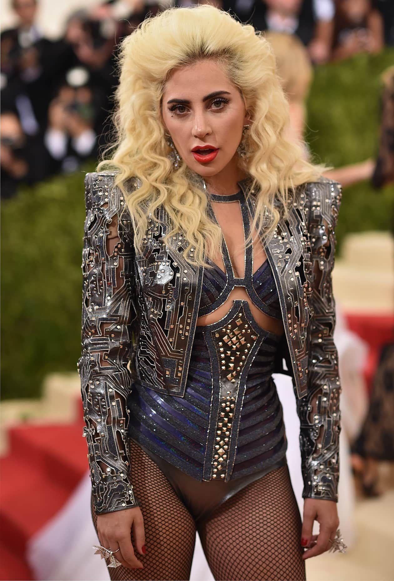 Report: Lady Gaga Will Headline The Super Bowl 2017 ...
