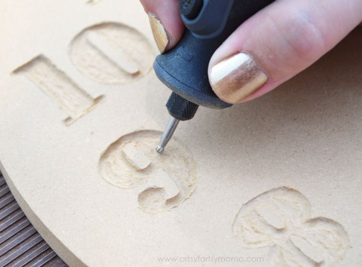 How To Use A Router To Carve Letters