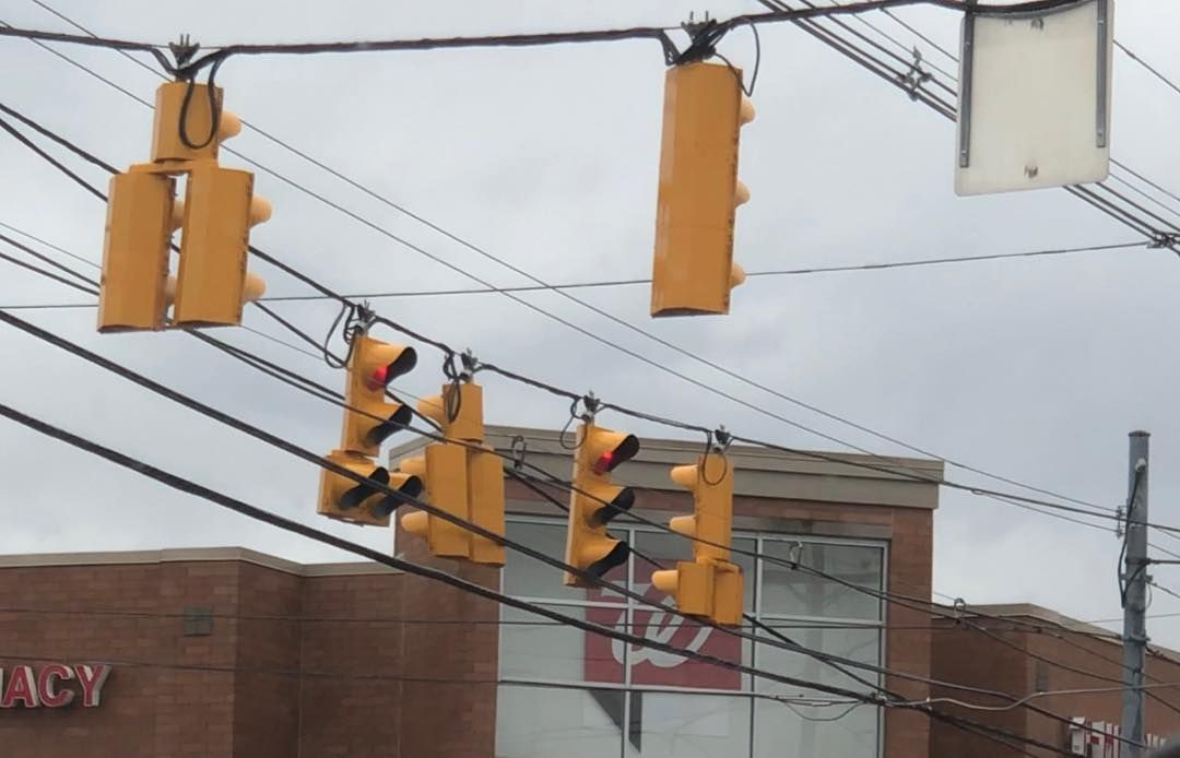 New Metal Econolite Signals At Morse Rd And High St Columbus Ohio These Replaced Metal Mccain Signals Traffic Intersect Dog House Traffic Signal Dog Houses