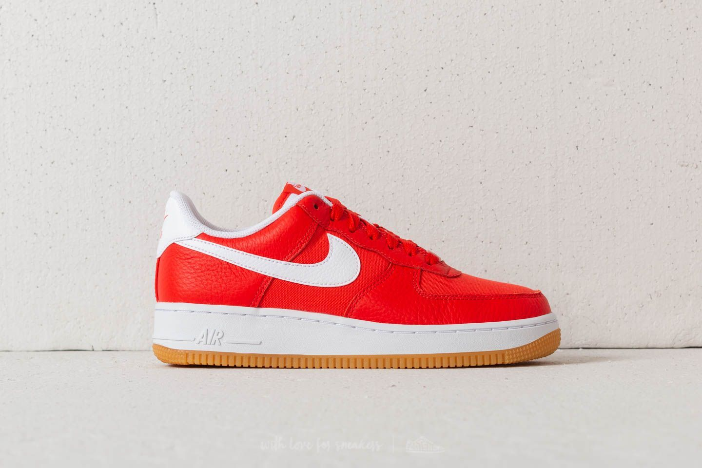 9d05c7351d0e1 Nike Air Force 1 ´07 Premium WMNS Habanero Red  White
