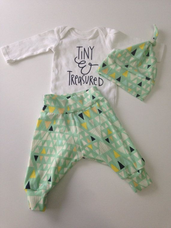 283d45aa0 Gender Neutral Newborn Outfit, unisex baby outfit, baby baby shower ...