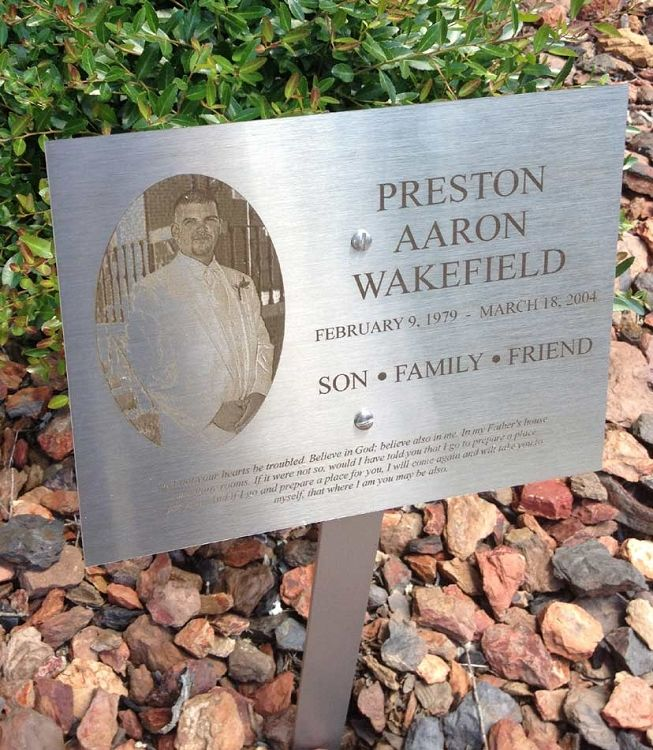 stainless steel dedicationmemorial lawn  garden