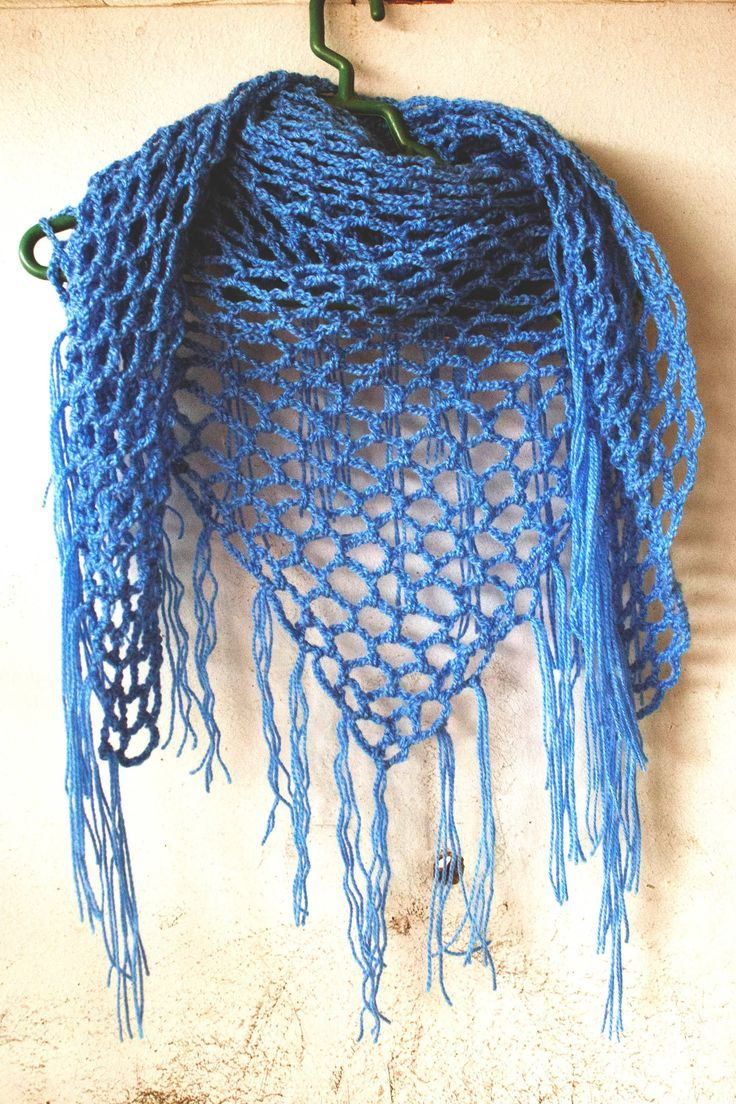 how to crochet triangle scarf - seems easy   Knitting and Crochet ...