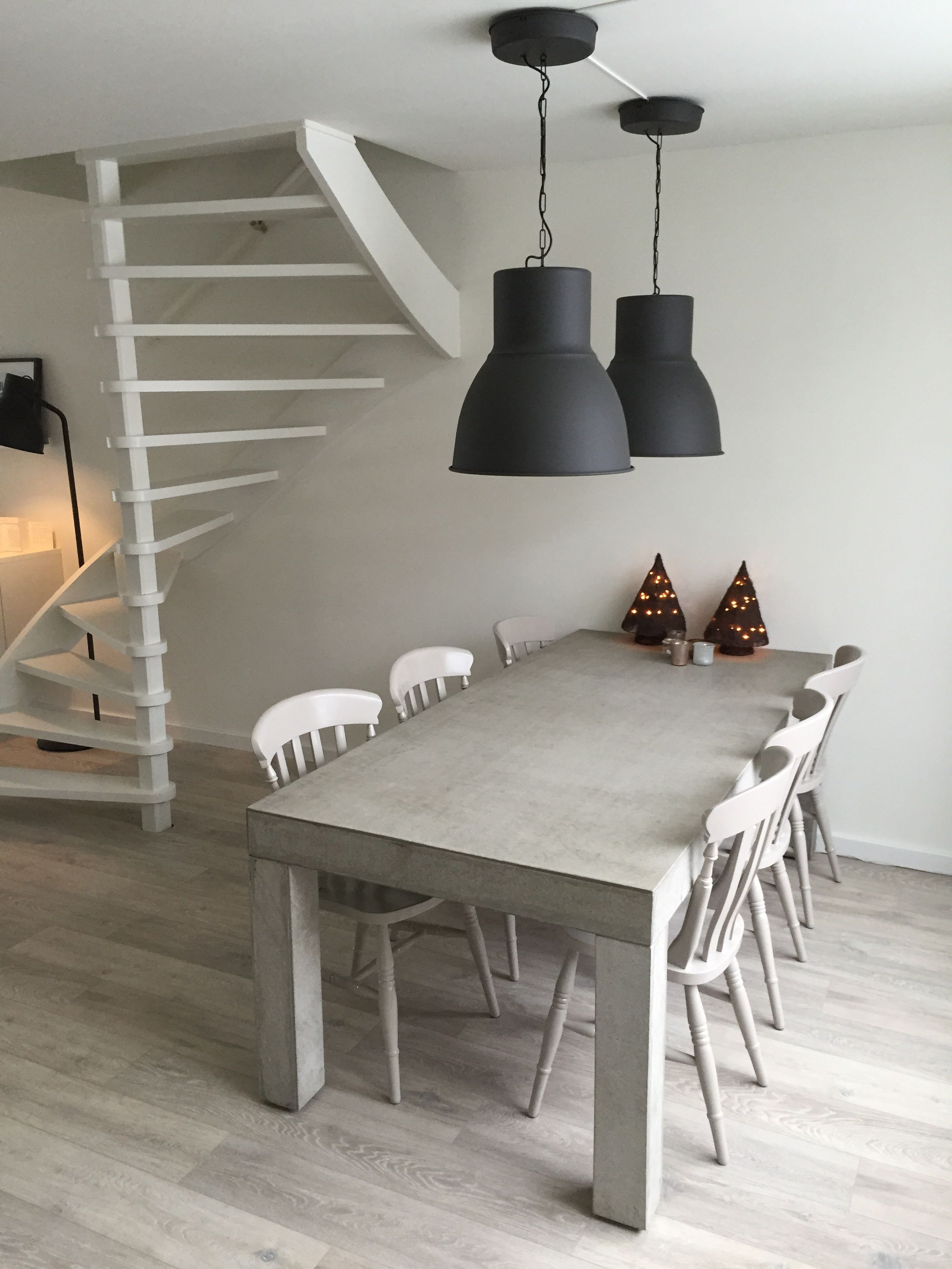 betonnen tafel met zet opgeknapte stoeltjes lampen serie hektar ikea m bel einrichtung und. Black Bedroom Furniture Sets. Home Design Ideas