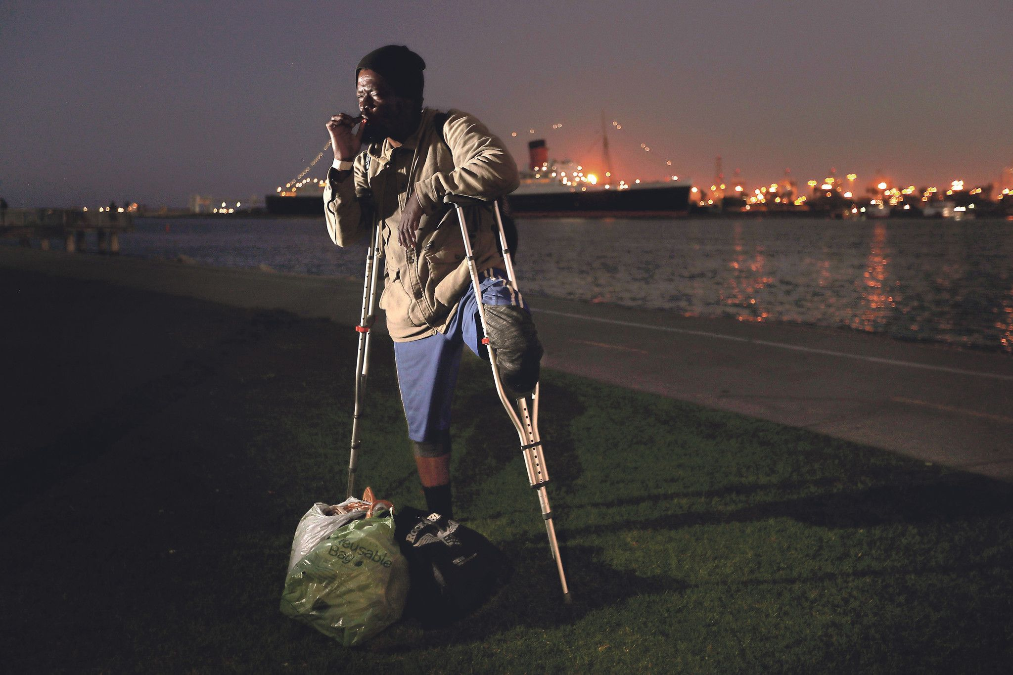 Homeless People At Almost Every L A Landmark Illustrates The Depth Of The Problem Homeless People Homeless Landmark