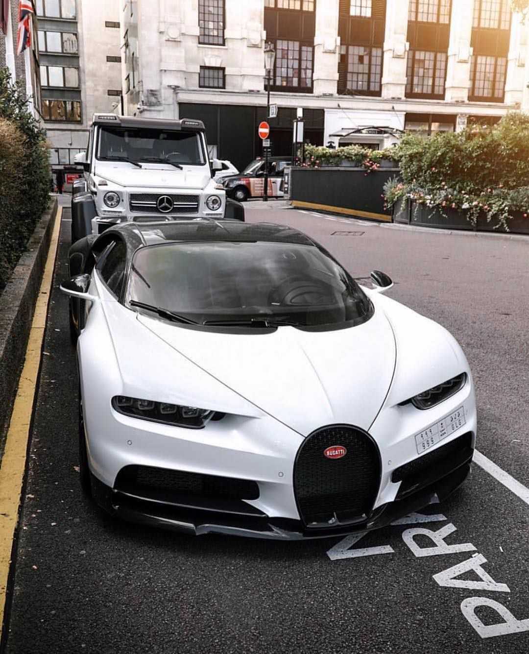 Epic Combo In London Supercar Super Cars Bugatti Cars Bugatti