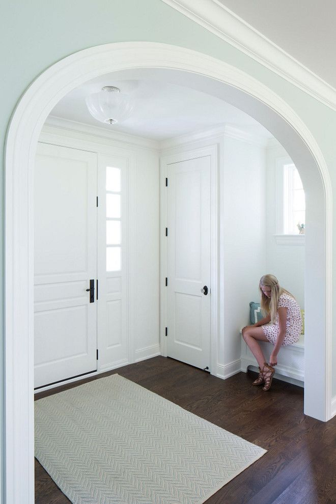 Attirant Arched Foyer. Arched Foyer Features A Built In Bench And A Closet. Wall