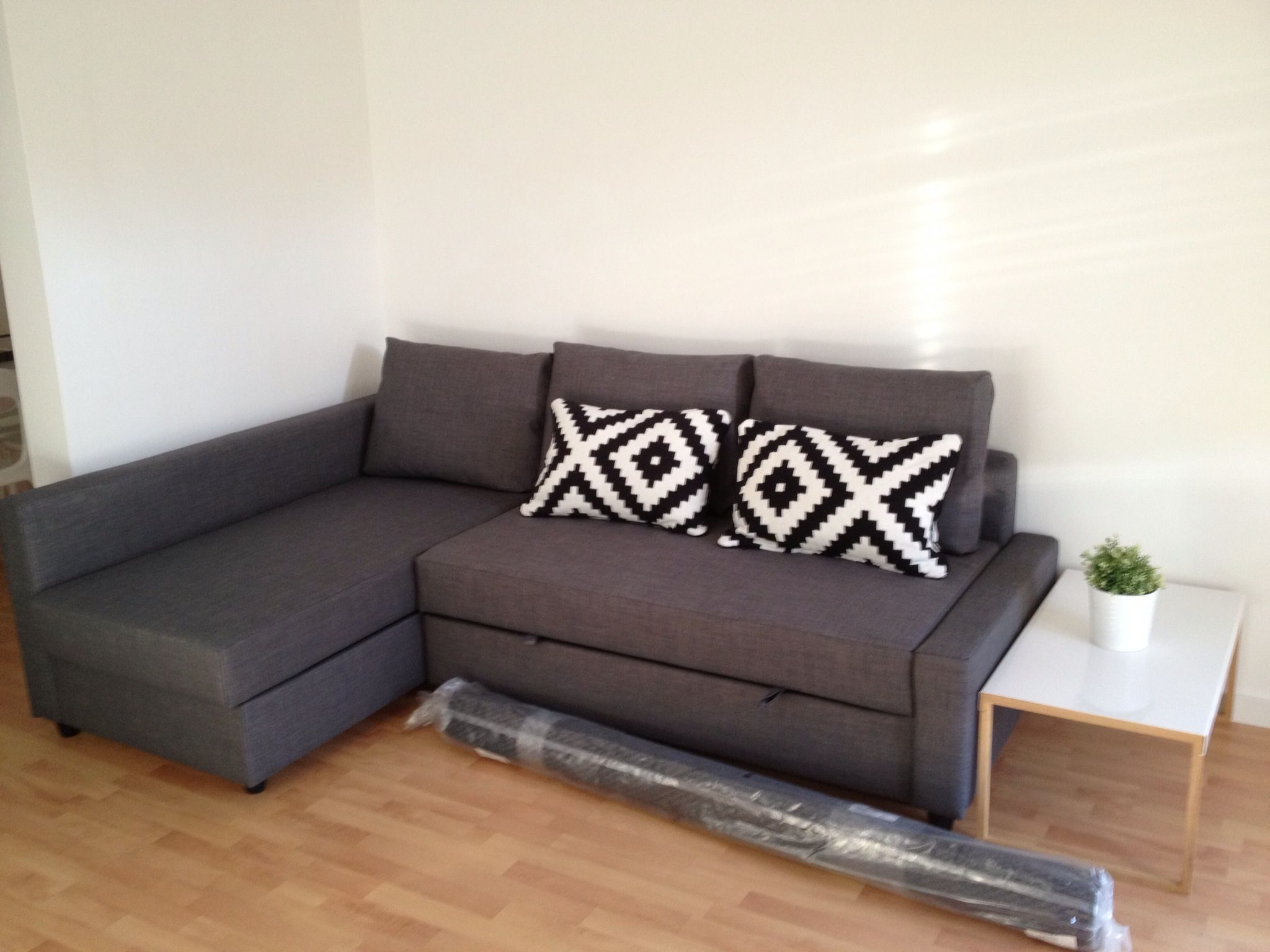 Ikea Mesas De Centro Salon Calle Provenza Work In Progress Sofa Cama Friheten De