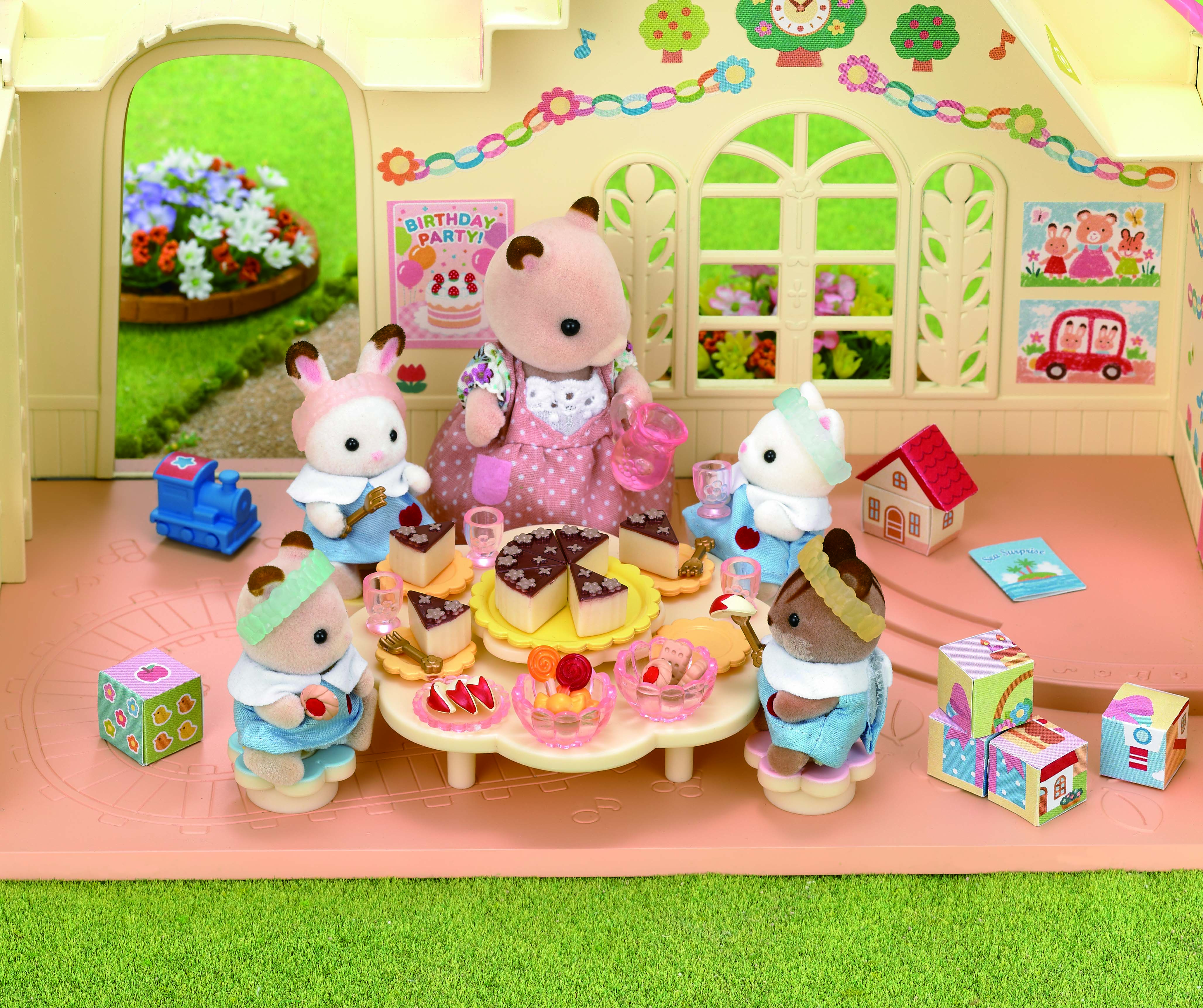 Sylvanian Families Calico Critters Nursery Party Set