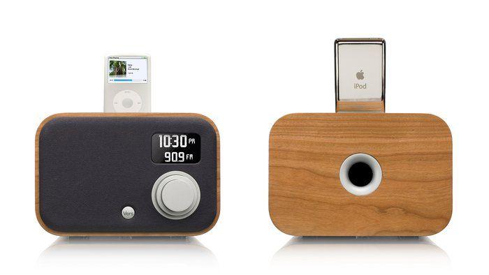 Wooden IPod/iPhone Radio Alarm Clock
