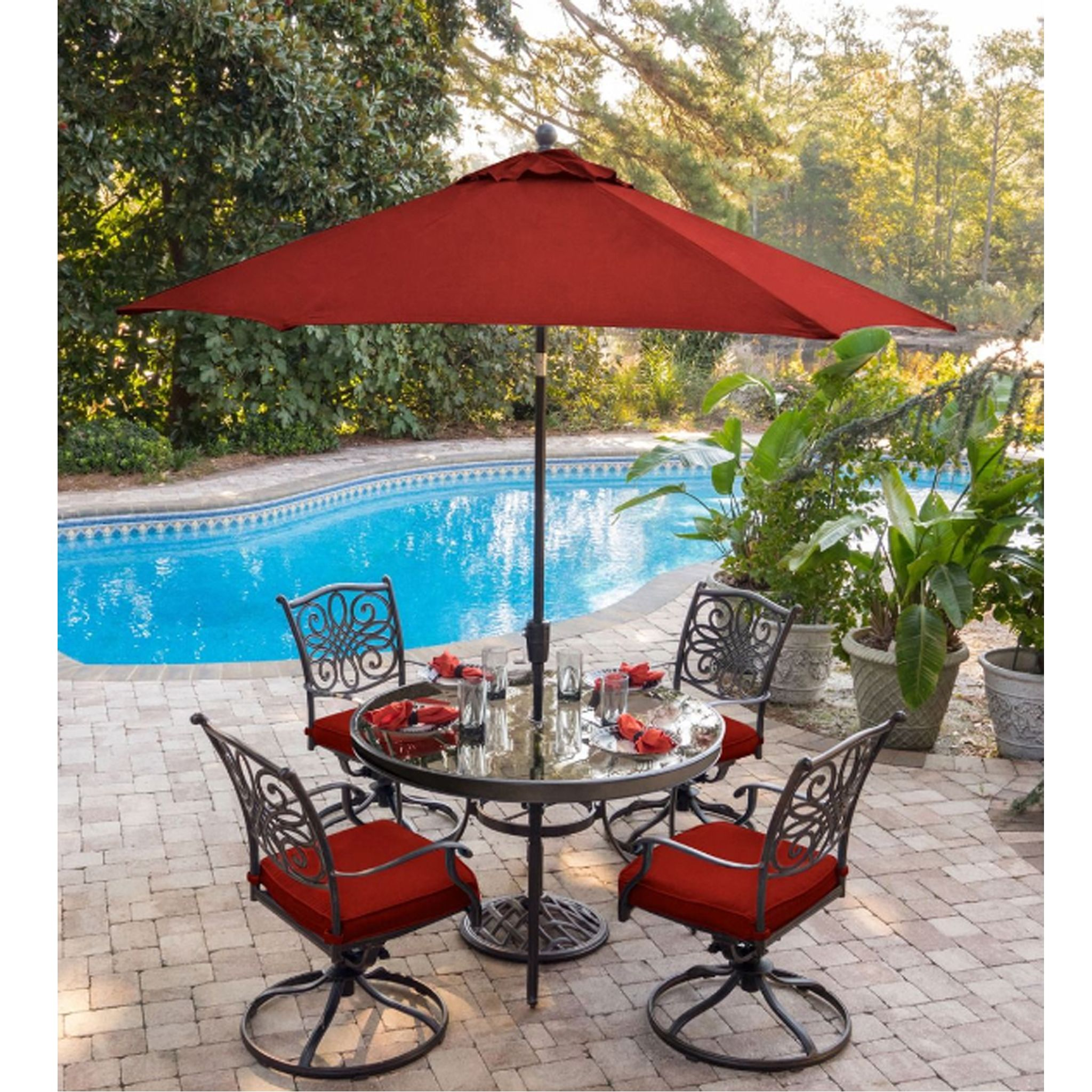 Keep Your Guests Cool And Comfortable With The 11 Ft Traditions