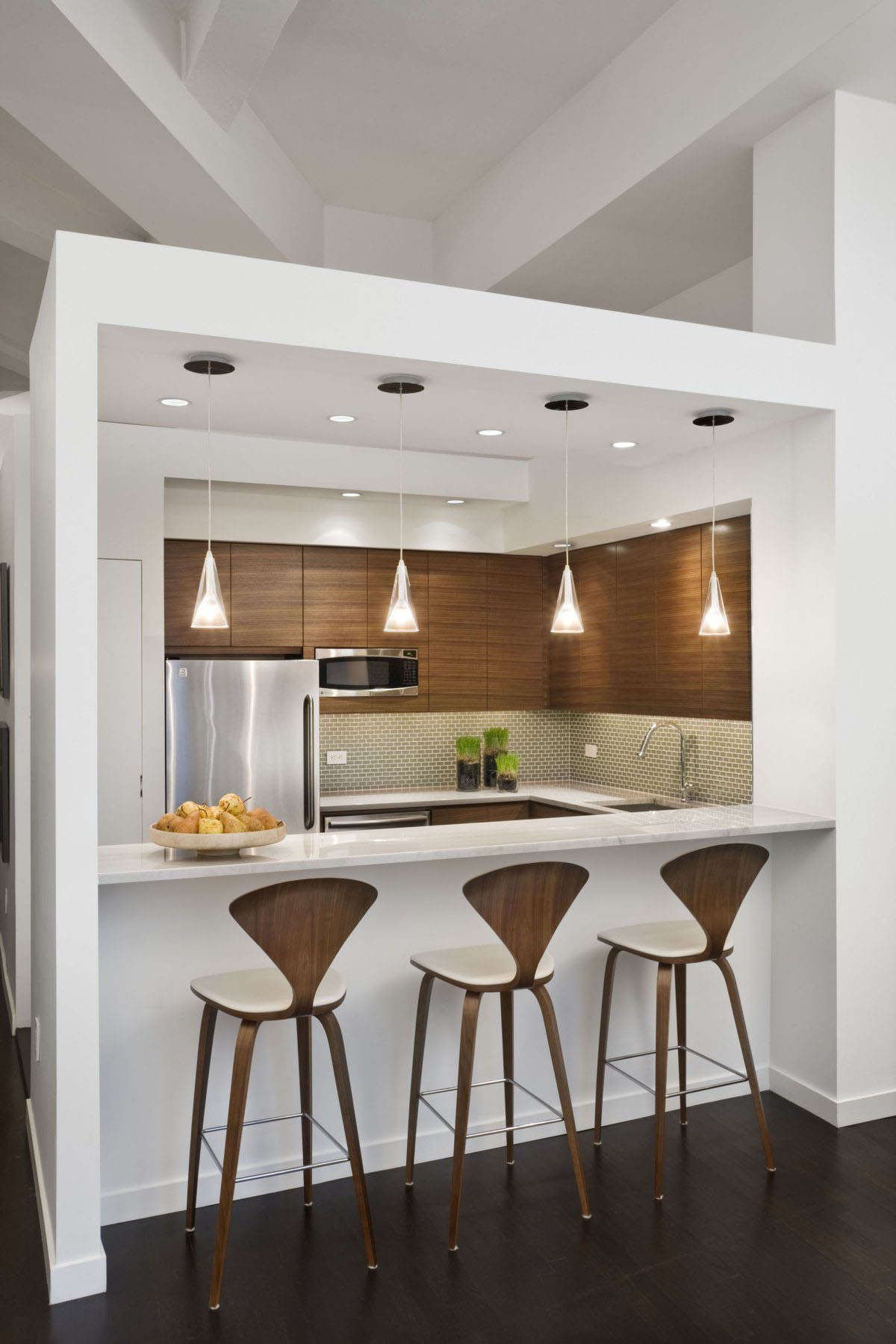 Fabulous Small Apartment Kitchen With Small White Island And
