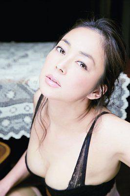 中島知子「脱ぐよりもセクシー」目指したランジェリー姿披露│NEWSポストセブン