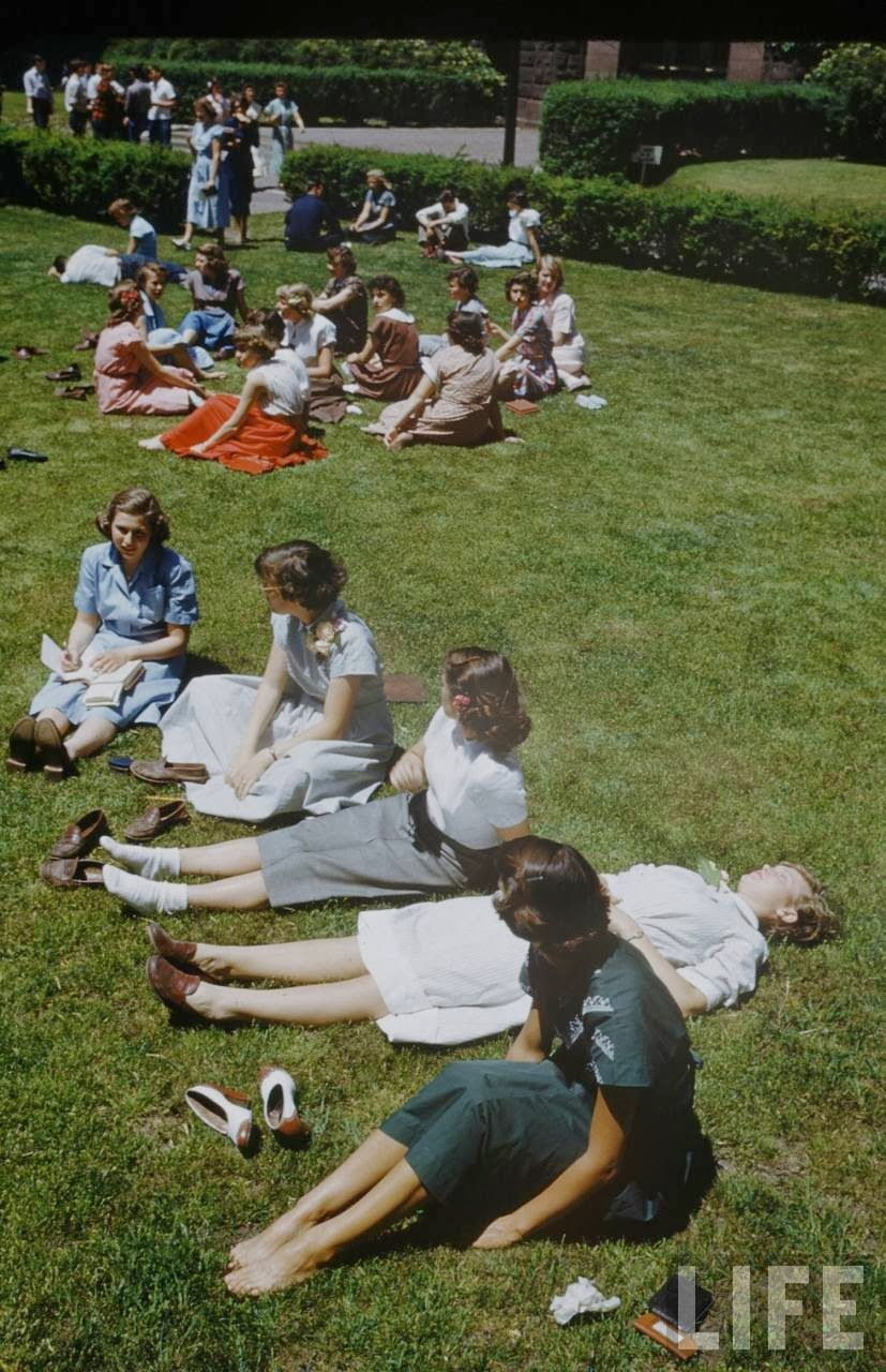 Interesting Color Photographs Capture Daily Life Of Students At New Trier High School In 1950 Colour Photograph New Trier High School