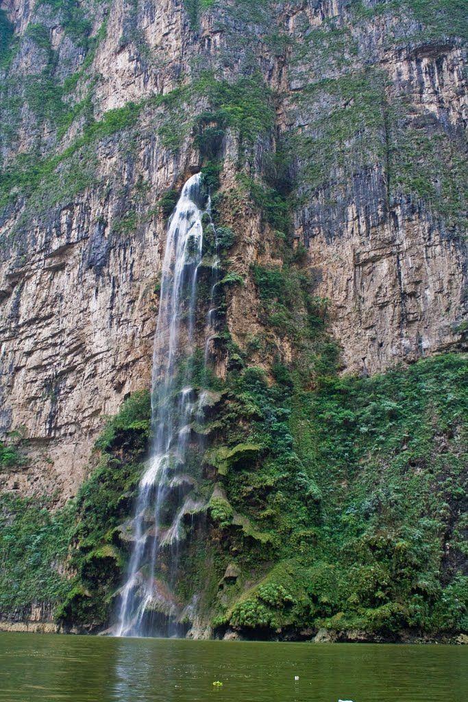 Formación del Arbol de Navidad, Cañon del Sumidero, Chiapas