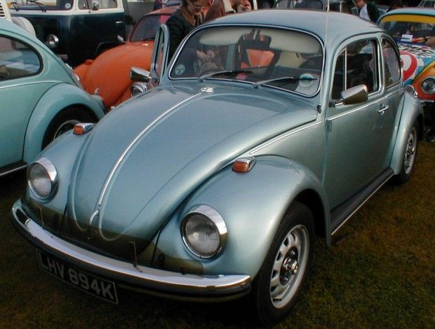 Mine Looked Like This Loved It Miss It Had A Gas Heater That Rarely Worked Ice Would Form On The Inside Of The Window Beetle Vw Beetles Volkswagen Beetle