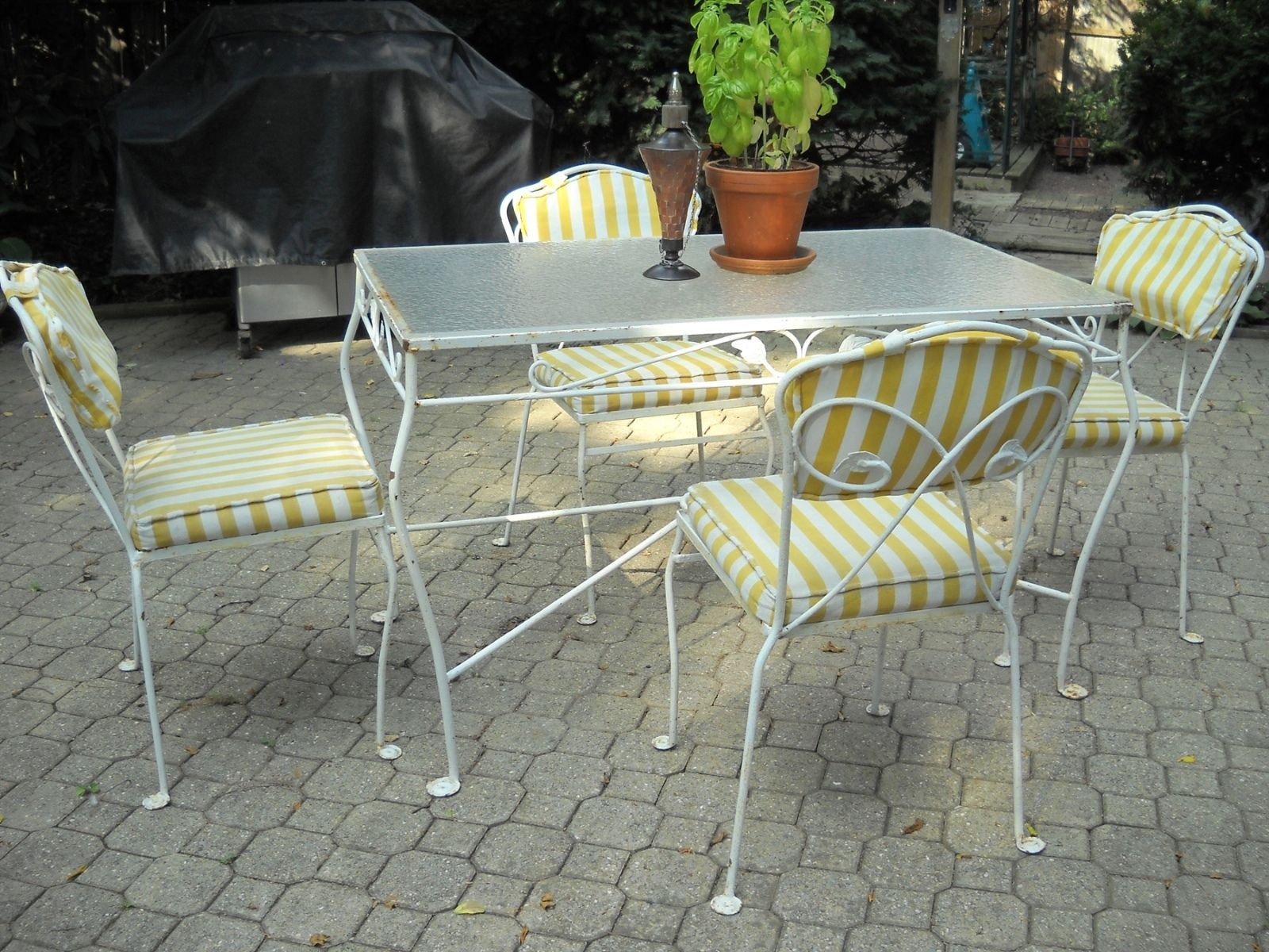 Wrought Iron Patio Table And 4 Chairs vintage russell woodard mid century modern wrought iron patio