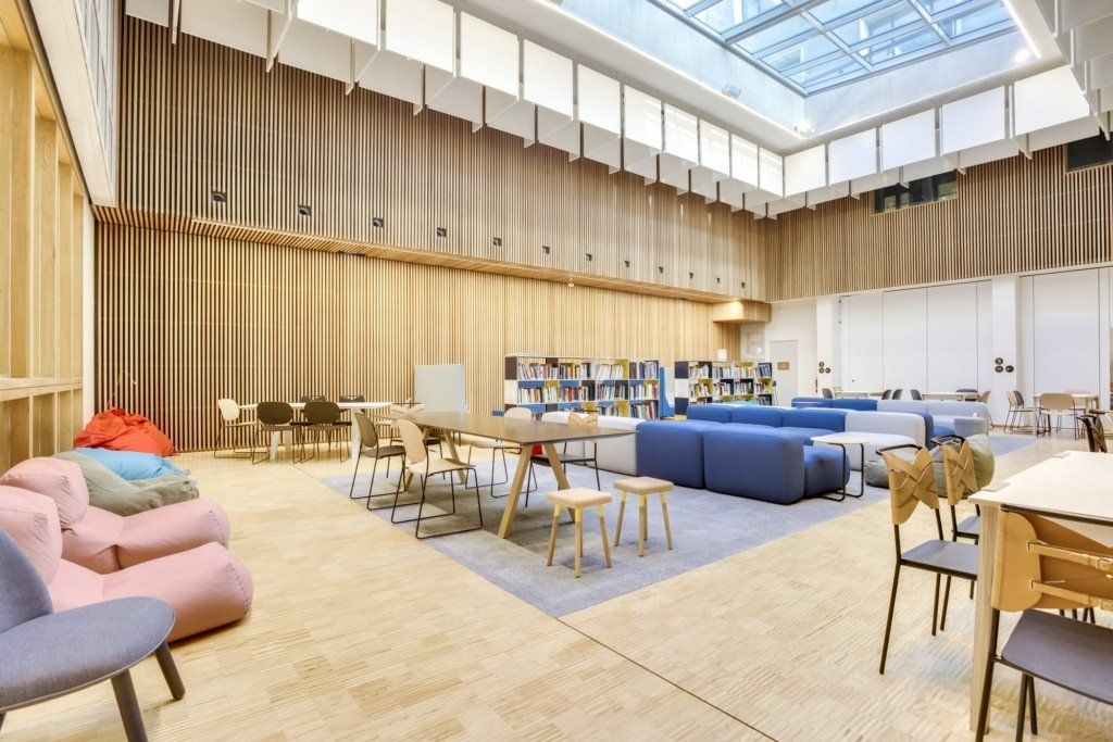 Tour The Center For Research Interdisciplinarity Cri Offices In Paris Design By Artdesk Group Https Osna Ps 2rbm Mobilier De Salon Meuble Bureau Bureau