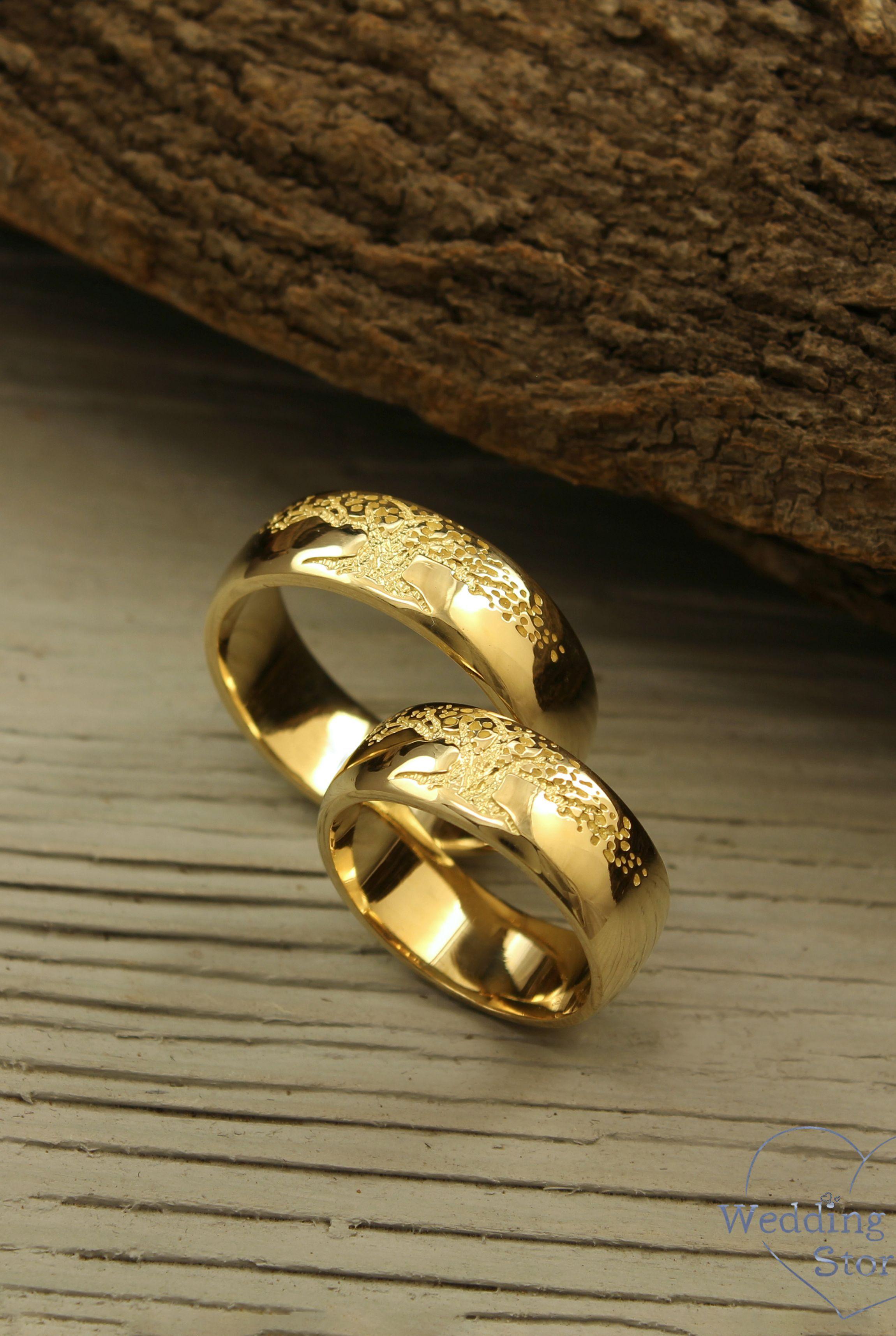 Tree Of Life Wedding Bands Set Family Tree Wedding Rings Etsy In 2020 Wedding Band Sets Wedding Rings Etsy Wedding Rings