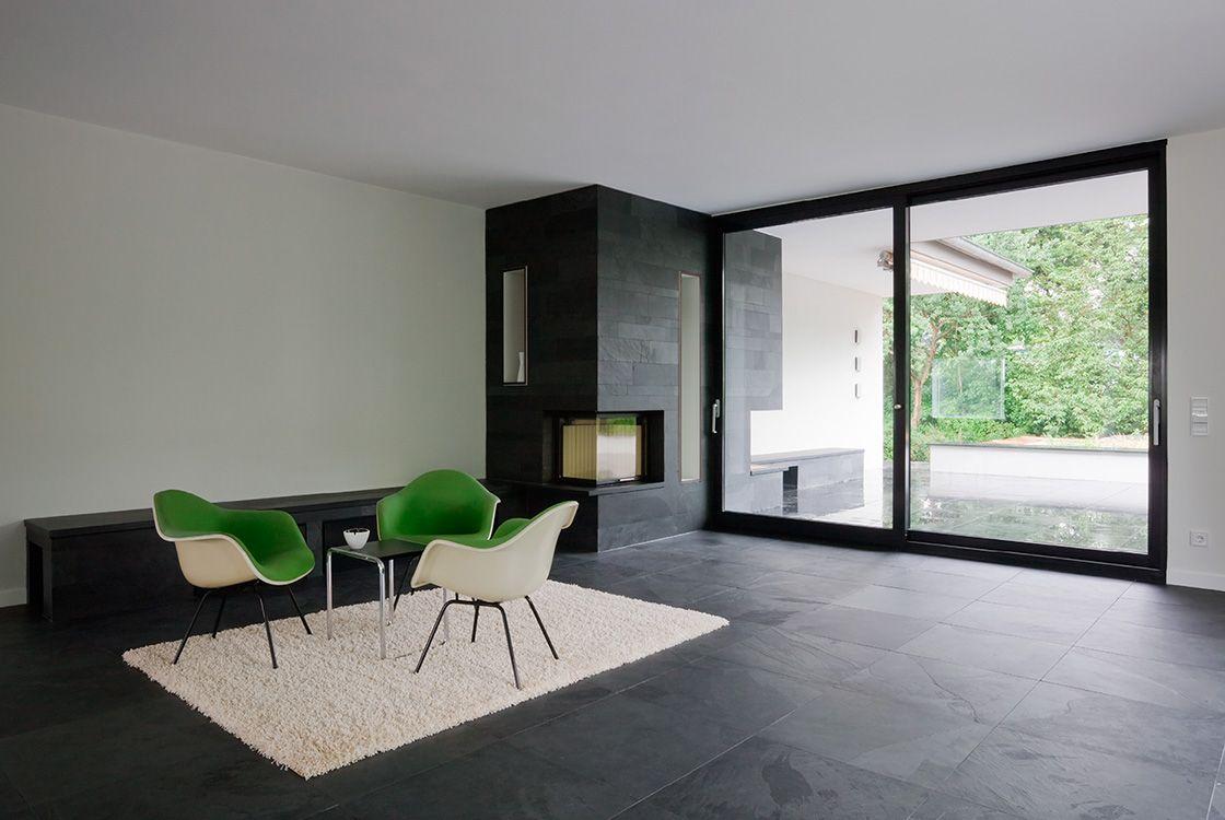 stories within architecture altsubstanz im neuen licht bodentiefe fenster und schiefer. Black Bedroom Furniture Sets. Home Design Ideas