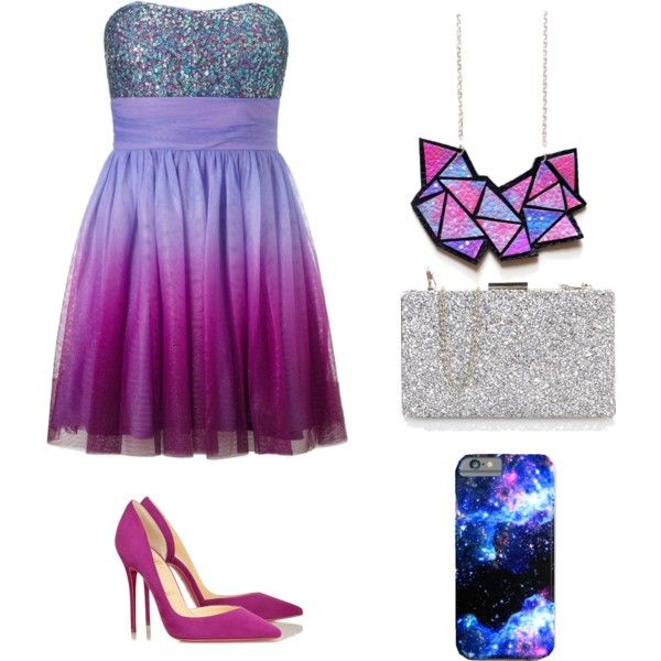An amazing eye-catching prom outfit.