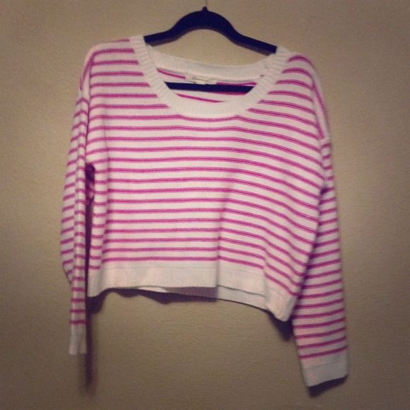 Striped Pink Sweater NWOT Perfect condition! Never had been worn, I bought it without looking at a size and when came home I saw and wanted to return but already ripped the tag out of it. It is a brand new!! Forever 21 Sweaters Crew & Scoop Necks