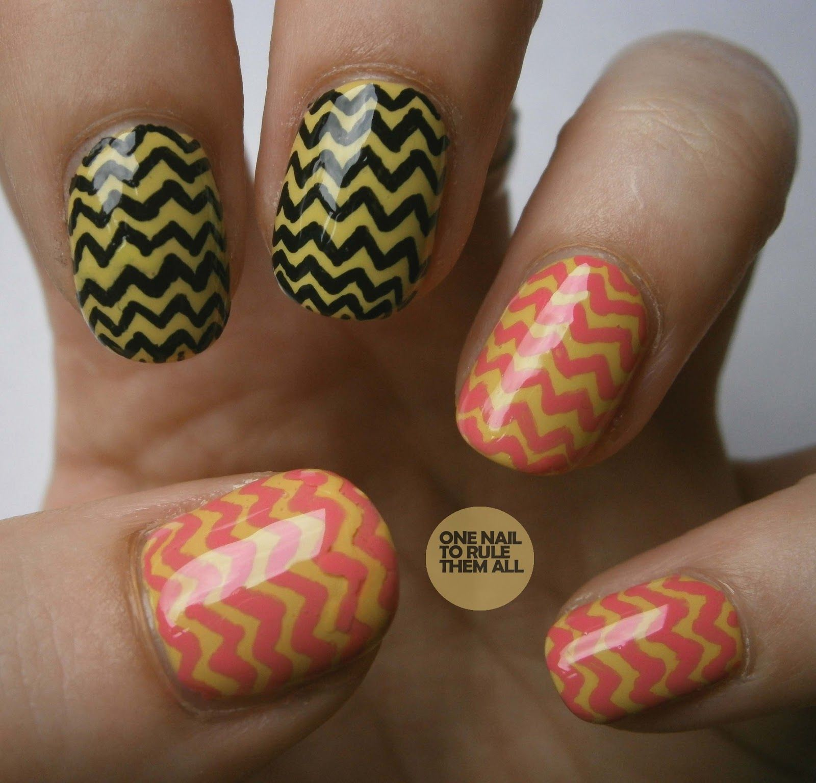 Love the colors of these zig zag nails!
