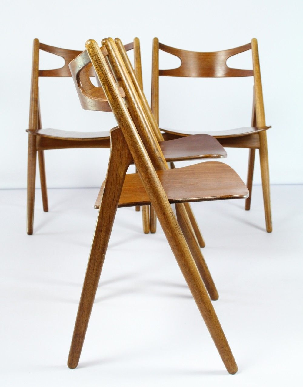 Set of 4 sawbuck chairs by Hans Wagner for Carl Hansen & son