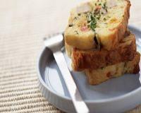 Cake au thon aux courgettes et au poivron
