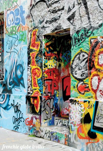 Street Art Stroll in Paris by Frenchie Globe Trotter https://frenchieglobetrotter.blogspot.fr/2017/01/street-art-stroll-in-paris.html