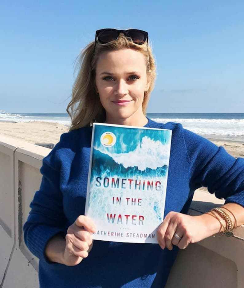 13 Books Your Favorite Celebrities Are Reading This Summer Celebrity Books Summer Books Summer Reading
