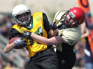 Women S Tackle Football League A Hit Tackle Football Football Football Helmets