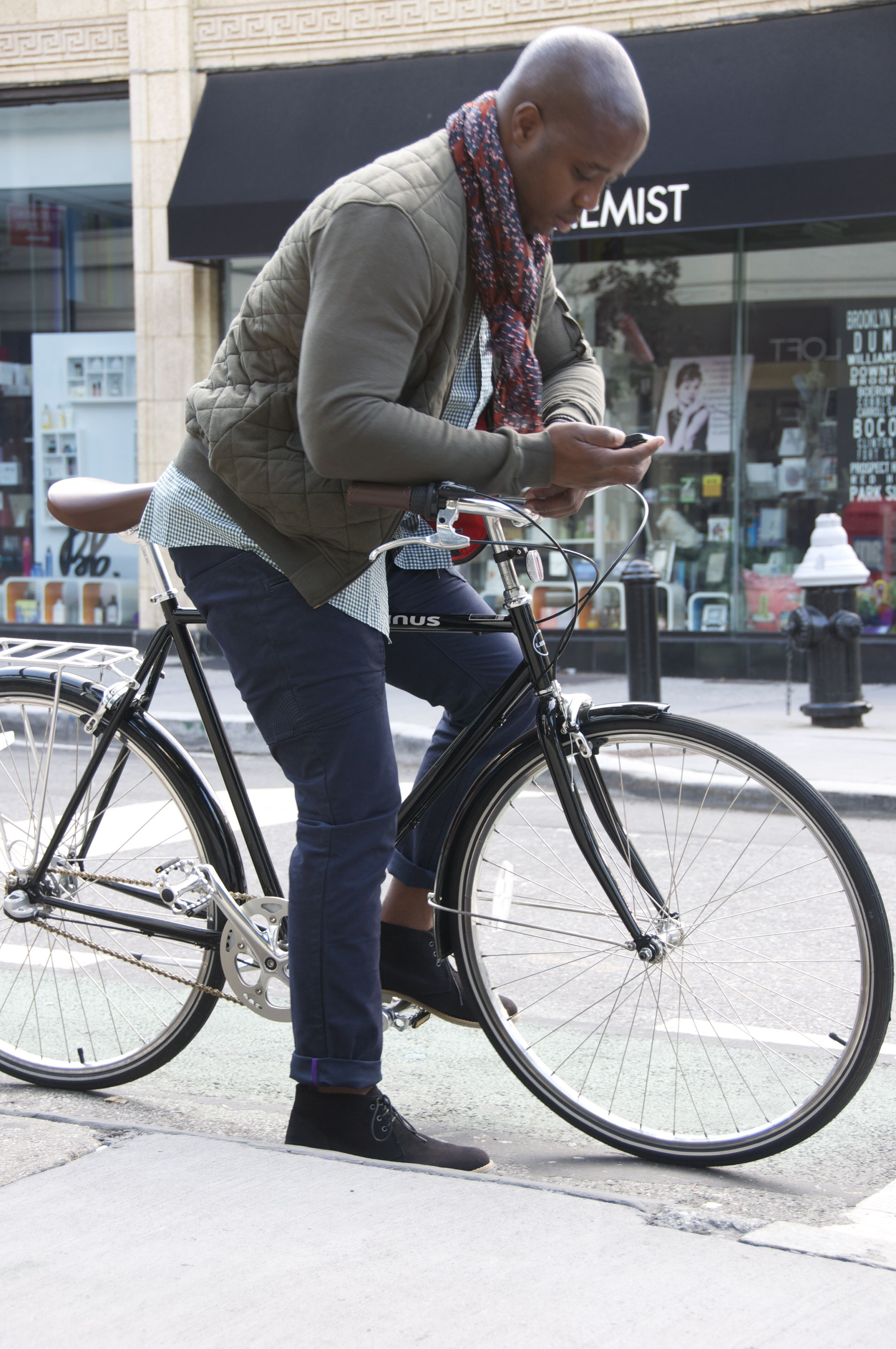 Osloh bike jeans - style with comfort and function. Wholesale prices during 2013 Kickstarter campaign