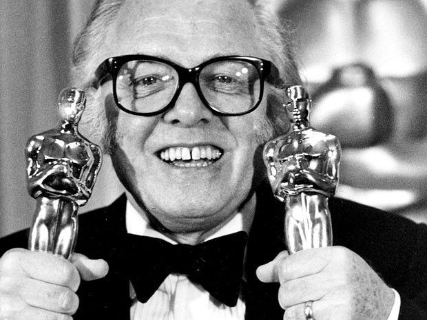 Richard Attenborough dies at 90 - the world reacts #epicmovie