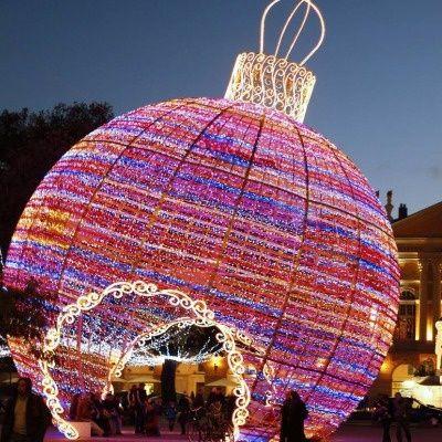 World S Most Amazing Christmas Art Installations By Adam Kent Best Christmas Lights Holiday Lights Diy Christmas Lights