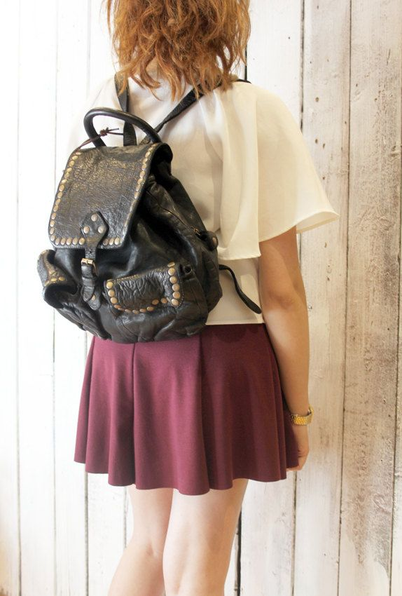 SMALL Vintage black (with studs) Handmade Italian Leather backpack di LaSellerieLimited su Etsy