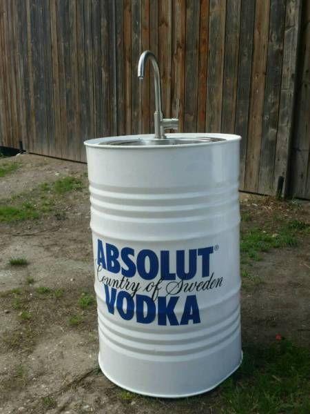 """Ich biete hier ein einmaliges Outdoor Waschbecken zum Verkauf an.<br /><br />Es handelt sich um das...,Outdoor Waschbecken Fassdesign """"Absolut Vodka"""" in Bayern - Weiden (Oberpfalz)"""