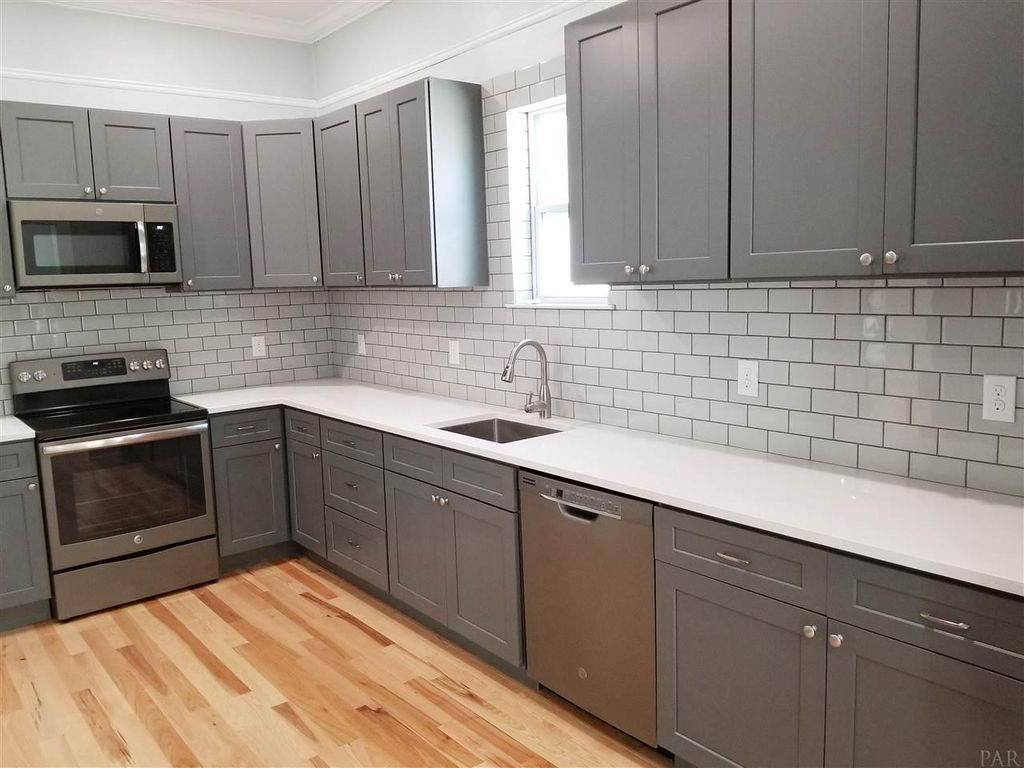 511 N A St Pensacola Fl 32501 Mls 533751 Zillow Kitchen Remodel Kitchen Cabinets Kitchen