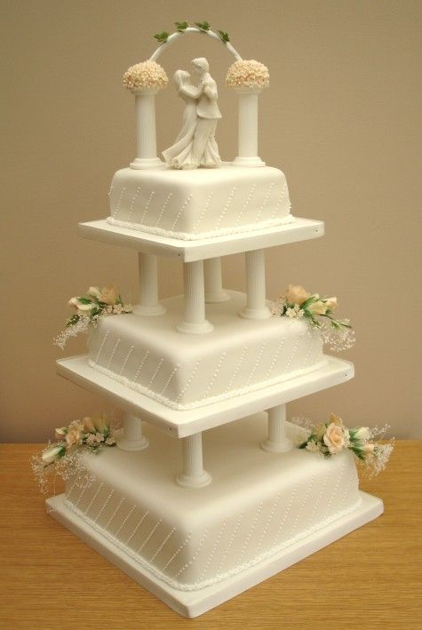 Love The Idea Of Using Two Pillars At The Top As An Arch Traditional Wedding Cakes Lavender Wedding Cake Tiered Wedding Cake