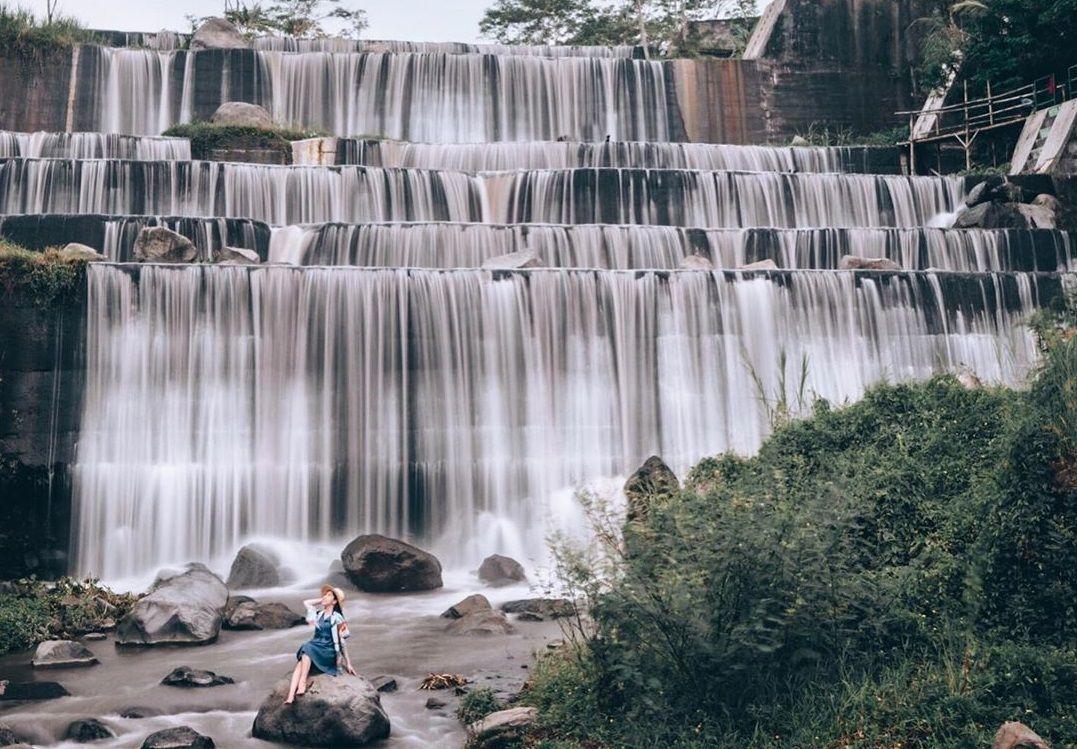 Inilah Grojogan Watu Purbo Tempat Wisata Yang Lagi Viral Dan Hits Di Jogja Di 2020 Tempat Tempat Ibadah Indonesia