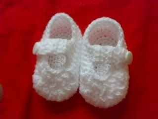 simple baby booties, lets see you try and make these carolee couture!