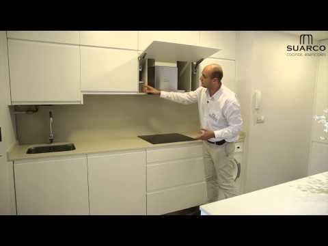 Video de cocinas integrales modernas blancas con tirador uñero - Cocinas Integrales Blancas