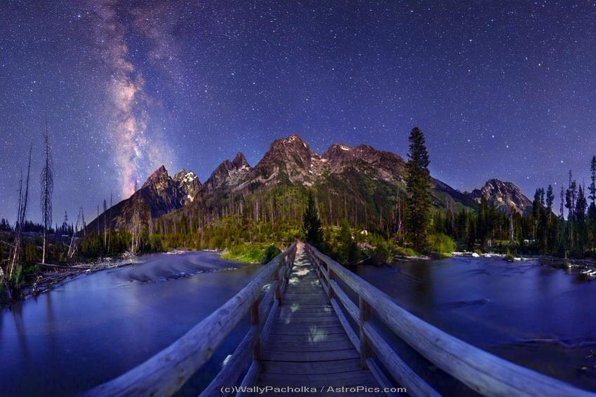 "Buonanotte...""like a bridge over troubled water"" MilkyWay from SpringLakeBridge by W.Pacholka http://youtu.be/H_a46WJ1viA"