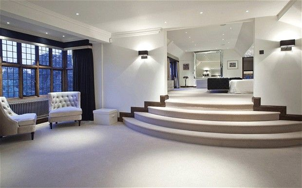 Is this mansion the most high-tech house on sale in Britain ...