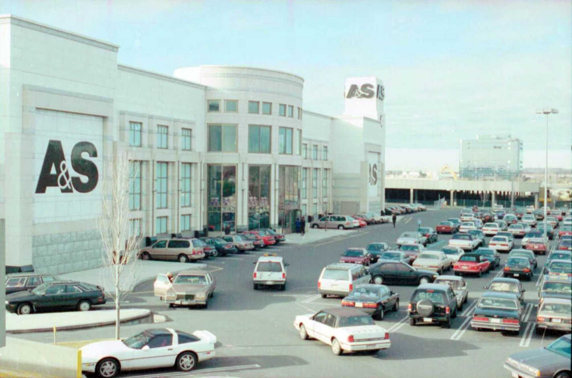 A s in roosevelt field garden city ny closed in early 1995 memory lane pinterest garden for Roosevelt field garden city ny