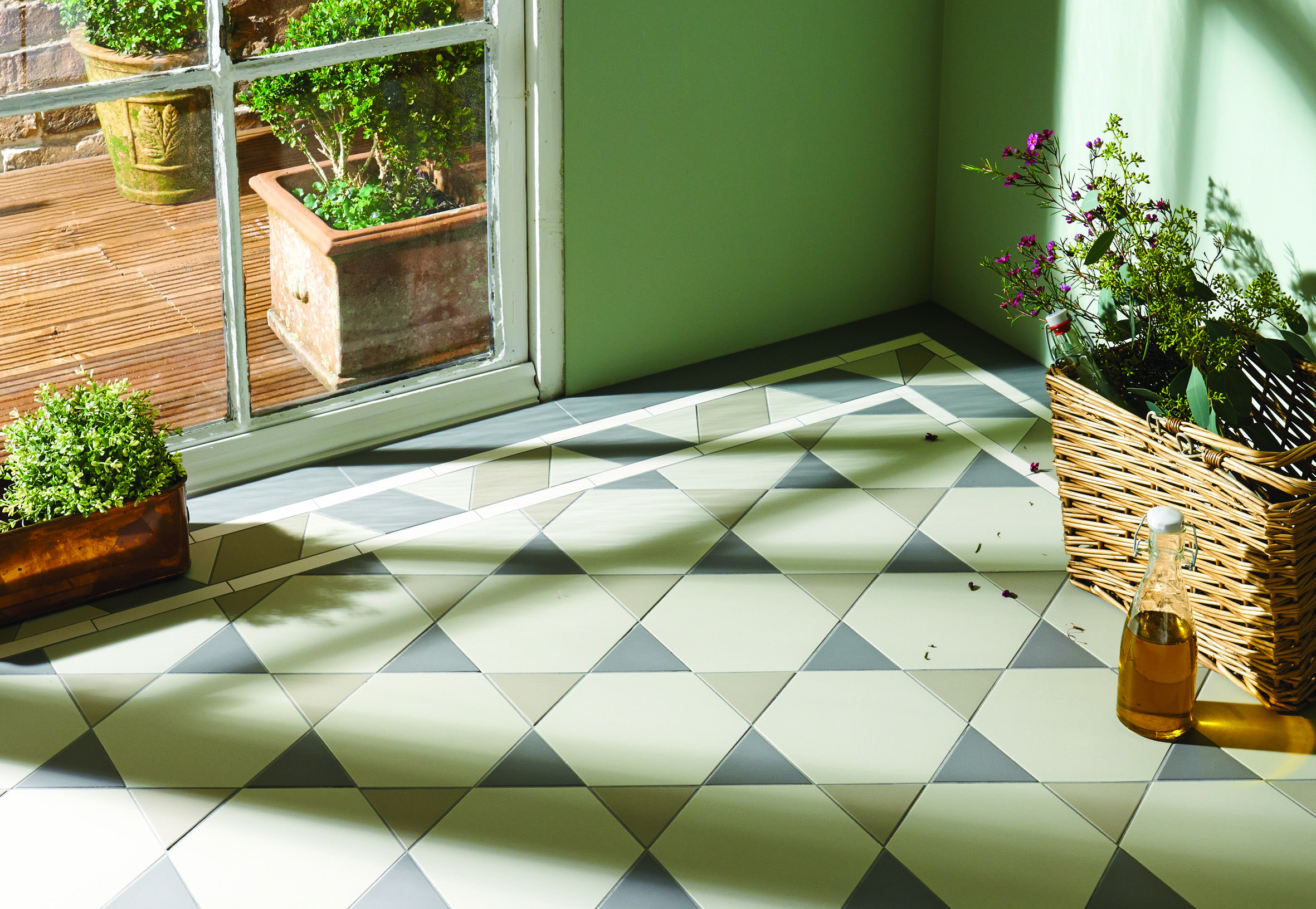 Original style hexham pattern with housman border in chester mews chester dailygadgetfo Gallery