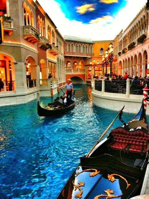 """Las Vegas - The Venetian - And the Gondola """"drivers"""" sing just like they do in Venice!"""
