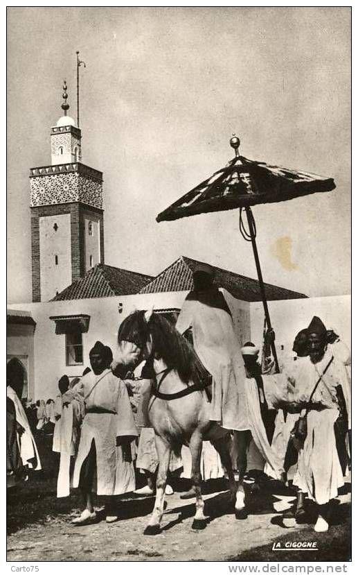 Royauté - Sultan Du Maroc - Cortège Mosquée - Familles Royales