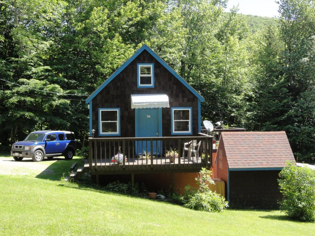 cute home with great views on 12 acres small home listings small rh pinterest com front view of small homes